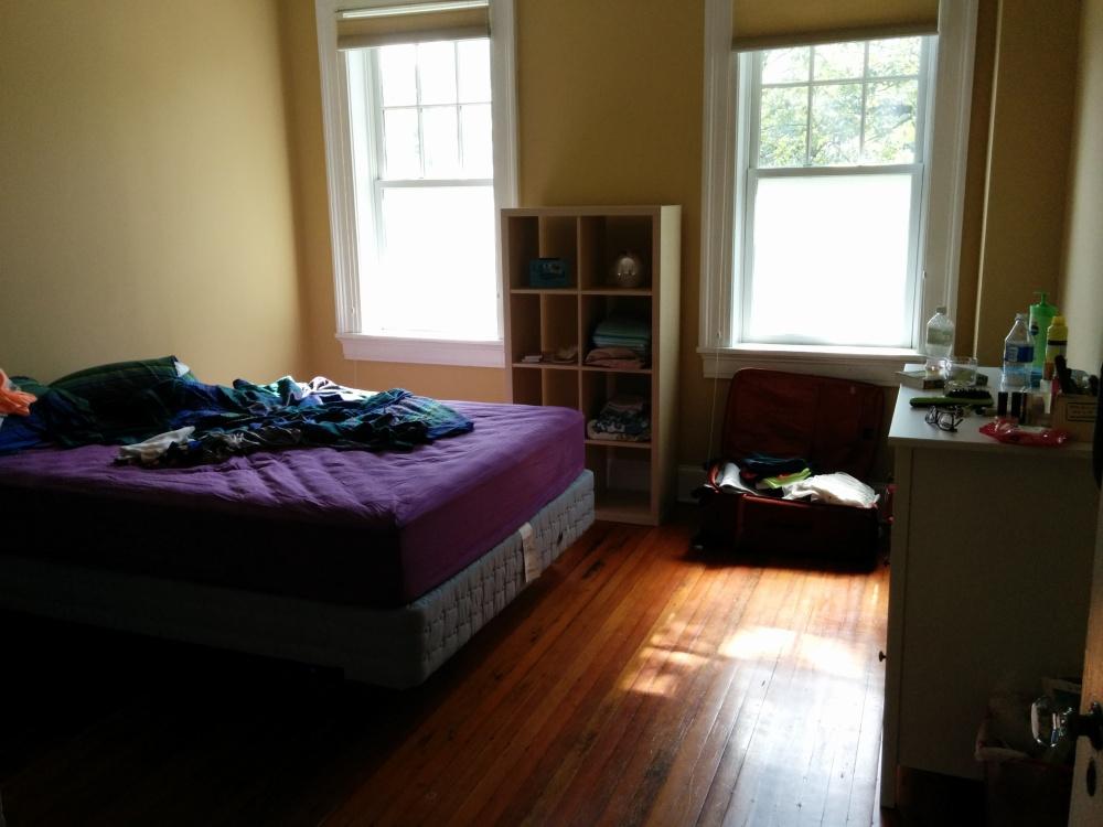 המיטה (והחדר שלי 3 ימים אחרי המעבר).
